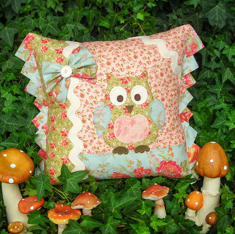 Betty barn owl pattern Rivendale designs cross patch