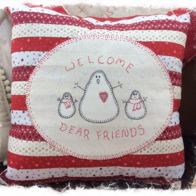 welcome-xmas-friends-cushion-kit