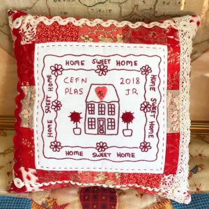 Cross patch, home sweet home pillow